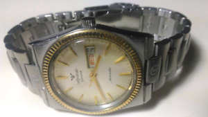 AUTHENTIC  SWISS WITNAUER GENEVE AUTO MENS WATCH
