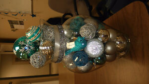 Lovely tourquoise centrepiece or table to xmas piece