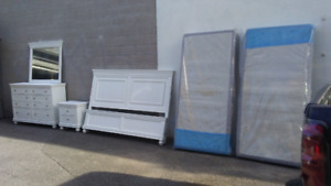 White king bed set w matress and boxspring