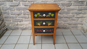 ANTIQUE 3 DRAWER SEWING TABLE