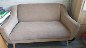 IMMACULATE 2 SEATER COUCH