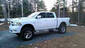 2011 Dodge Ram 1500 Sport Lifted Like New!