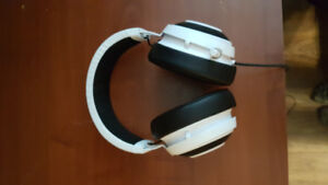 Razer Kraken Pro V2 White with 2 meter extension