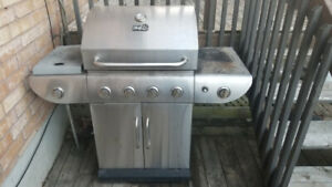 MASTER CHEF 4 burner natural gas BBQ Grill
