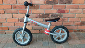 Kids training bike - no pedals. Ages 1-3.