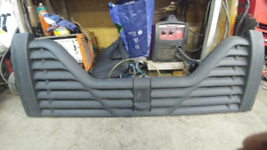 tail gate plastique  chevrolet 2001 a 2005