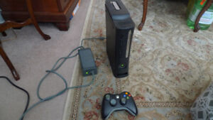Microsoft Xbox 360 120GB +wireless controller