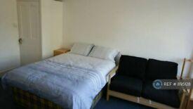 1 bedroom in Stapleton Hall Road, London, N4 (#895128)