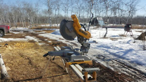 12in sliding compound mitre saw