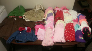 Lot of baby girl clothes sizes 12 to 18 month. (Over 130 pieces)