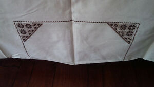 Vintage Off-White Tablecloth with Brown Embroidery Kitchener / Waterloo Kitchener Area image 2