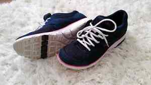 DR.SCHOLL'S ladies runners size 10