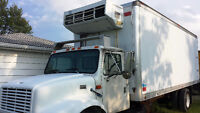 1999 International 4900 24' Refrigerated Box