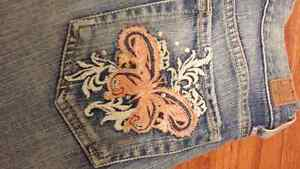 BRAND NEW Guess Jeans Size 24 Kingston Kingston Area image 6