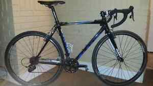GIANT Tcx 1 2013 cyclocross bike for sale. Excellent condition.