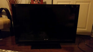 Excellent cond. 40'' SONY LCD barely used $2000 when new