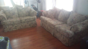 Beautiful Matching Couch & Loveseat **Delivery Included**