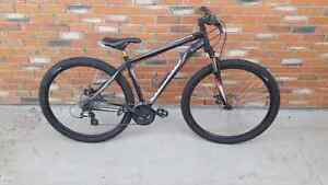 Like new Specialized 29er! Mint condition.