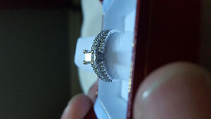 Lady's 14kt gold diamond ring Kitchener / Waterloo Kitchener Area image 1