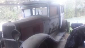 1929 chevy 4 door car