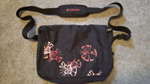 Columbia Book/saddle bag