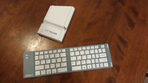 Zoom Gridlock Bluetooth Compact Portable Keyboard