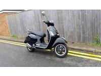 Piaggio Vespa GTS 125 Super ie 125cc 2013 ONLY 342KM BLACK