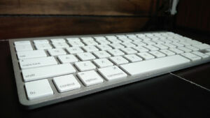 Apple Wireless Keyboard - Genuine Apple