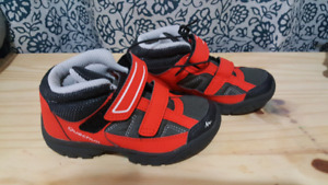 Brand new kid shoes size 9.5