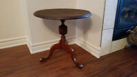 Petite table ronde antique
