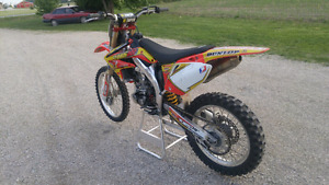 2005 Crf 450! Mint condition!