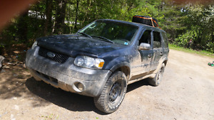 05 ford escape 4×4  NO PAPERS