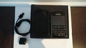 Blackberry Curve 9360 Bell avec/with carte microSD 2GB