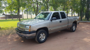 2003 Chevrolet Silverado LT. Leather, heated seats
