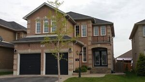 Fully finished 2 story home in Barrie