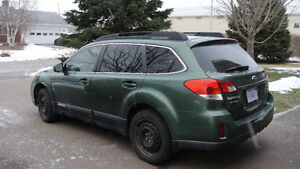 2010 SUBARU-OUTBACK- LEATHER-6 CYLINDER SUV-REDUCED