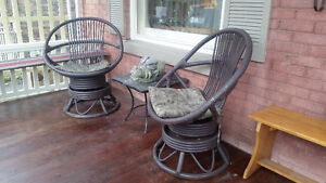 Rattan swivel/rocking chairs