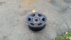 Steel wheels of a Ford Escape 16 in