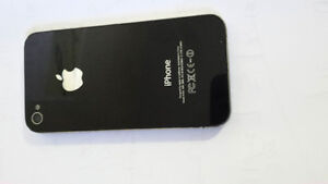 IPhone 4 / Bell / 16 GB/  $90 only St. John's Newfoundland image 2