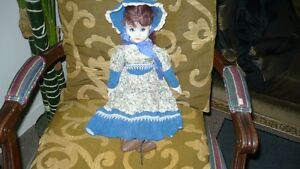 VINTAGE ADORABLE MID CENTURY BISQUE DOLL, CLOTH BODY Kitchener / Waterloo Kitchener Area image 1