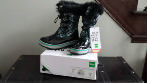 Kids cougar boots