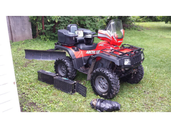 Used 2004 Arctic Cat 650 V Twin
