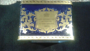 1936 tin tea box Commemorating King Edward VIII accession-Throne