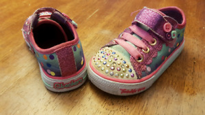 Toddler sz 6 twinkle toes sketchers