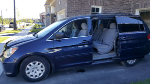 Low kms!! One owner! Clean 2008 Honda Odyssey fully loaded!