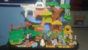 Fisher Price Little people  Zoo Talkers