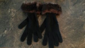 Brand New Ladies Wool Gloves