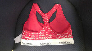 New and Never Worn Calvin Klein Sports Bra Size Large