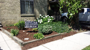 Lawn Care / Grass Cutting / Lawn Maintenance / Fall Clean Up London Ontario image 6