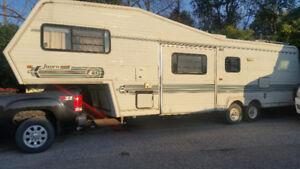 32' JayCo 5th wheel camper tailer